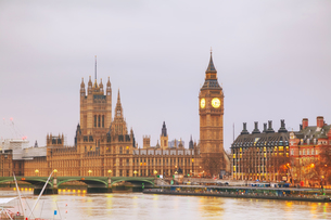 London with the Clock Tower and Houses of Parliamentの写真素材 [FYI00652096]