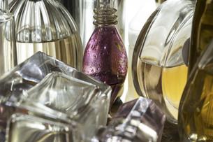closeup of bottles of perfumeの写真素材 [FYI00652273]