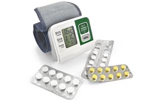 Tonometer with pillsの写真素材 [FYI00652669]