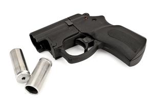 Traumatic pistol with ammunitionの写真素材 [FYI00652708]