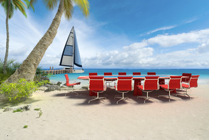 Business meeting on the beachの写真素材 [FYI00652820]