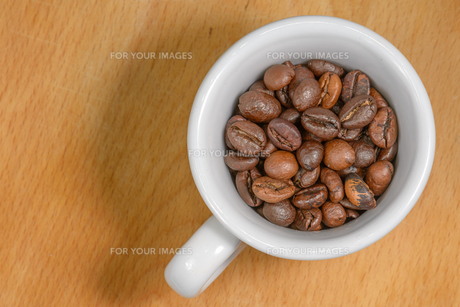 Cup of coffee seedsの写真素材 [FYI00652981]