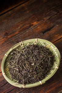 Dry green teaの写真素材 [FYI00653117]