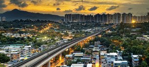 hong kong urban downtown and sunset speed trainの写真素材 [FYI00653200]