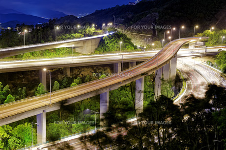 Evening traffic.の写真素材 [FYI00653205]