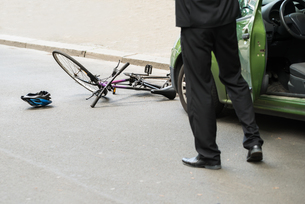 Driver After Collision With Bicycleの写真素材 [FYI00654121]