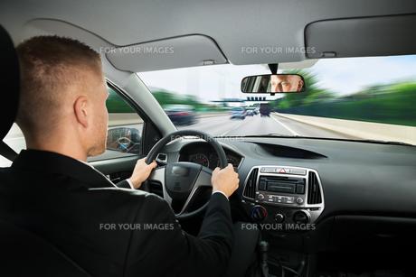 Businessman Driving Carの写真素材 [FYI00654193]