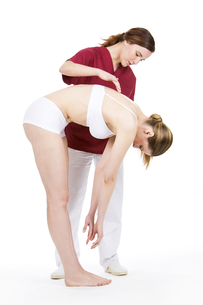 woman with physiotherapistの素材 [FYI00654388]