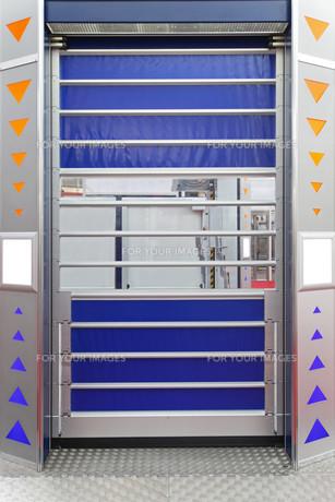 Warehouse doorの写真素材 [FYI00654454]