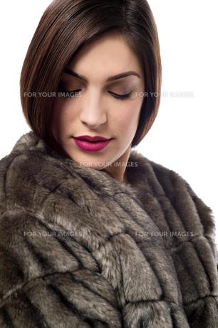 My new style with fur coat.の写真素材 [FYI00654598]