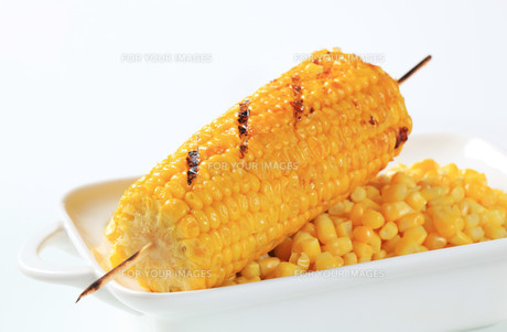 Grilled cornの写真素材 [FYI00654764]