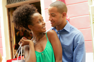 Portrait African American Couple Shopping In Panama Cityの写真素材 [FYI00654813]