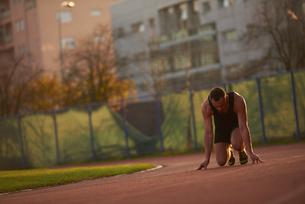 Athletic man startの写真素材 [FYI00655136]
