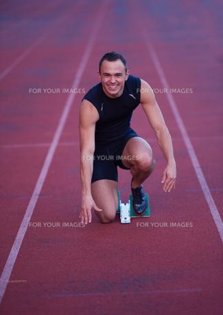 Athletic man startの素材 [FYI00656217]