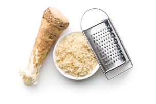 grated horseradish rootの写真素材 [FYI00656624]