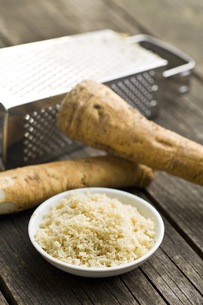 grated horseradish rootの写真素材 [FYI00656634]