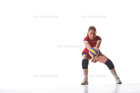 volleyball woman isolated on white backgroundの写真素材 [FYI00656819]