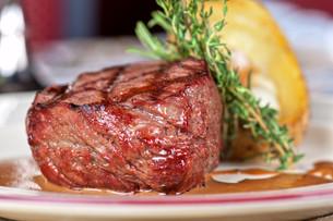 beef steakの写真素材 [FYI00656925]