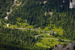 Alpine Roadの素材 [FYI00657671]