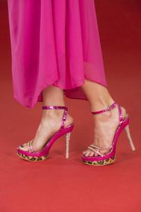 Sexy legs in fancy high heels on the red carpetの写真素材 [FYI00657676]