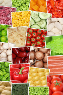 vegan and vegetarian vegetable background with tomatoes,peppers,lettuce,potatoesの写真素材 [FYI00657880]