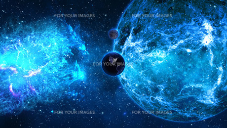 Planet Earth with sun in universe or space, Earth and galaxy in a nebula cloudの写真素材 [FYI00658384]