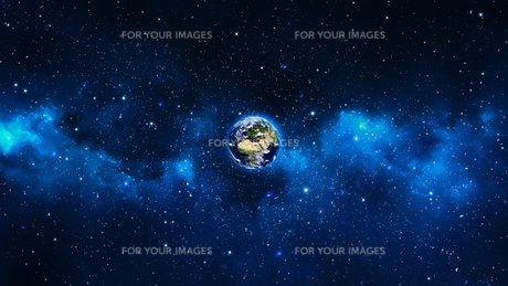 Planet Earth with sun in universe or space, Earth and galaxy in a nebula cloudの写真素材 [FYI00658390]