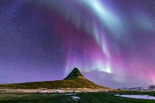 Northern Light Aurora Icelandの写真素材 [FYI00658715]