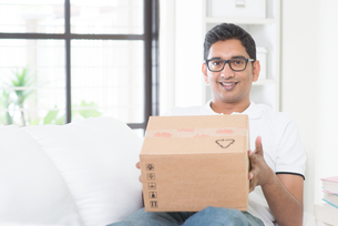 Courier deliveryの写真素材 [FYI00658766]