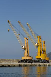 Crane at the portの素材 [FYI00659070]