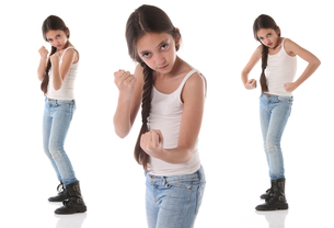 A beautiful young girl wants to fightの写真素材 [FYI00659947]