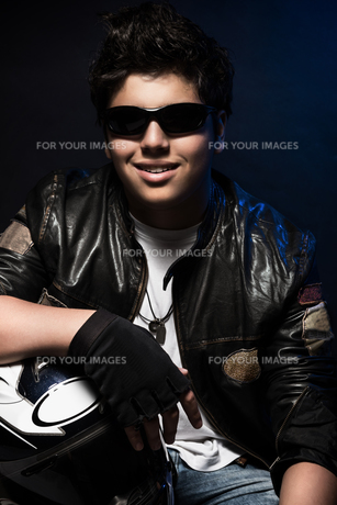 Stylish teen boy bikerの写真素材 [FYI00660125]
