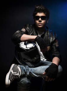 Stylish teen boy bikerの写真素材 [FYI00660126]