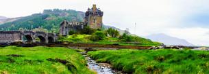 Eilean Donan Castle in Scotland, UKの写真素材 [FYI00660602]