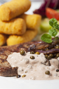 beef steak with pepper sauceの写真素材 [FYI00660684]