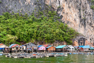 Koh Panyee or Punyi island village is floatingの写真素材 [FYI00660701]