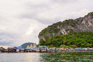 Koh Panyee or Punyi island village is floatingの写真素材 [FYI00660703]