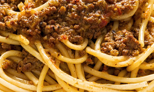 rustic italian spaghetti bolognese food backgroundの写真素材 [FYI00661378]