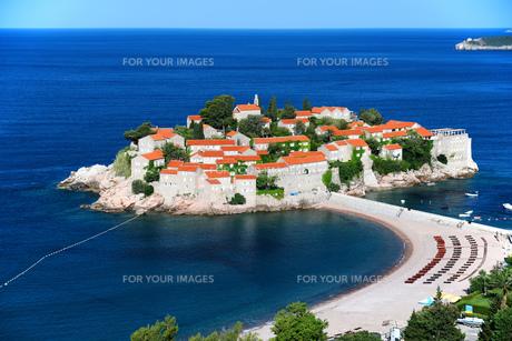 Sveti Stefan island near city of Budva, Montenegroの素材 [FYI00661424]