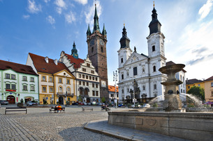 village square with fountain klattau,klatovy,bohemia,czech republicの写真素材 [FYI00661941]