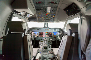interior airplane cockpit g550 with controlの素材 [FYI00662244]