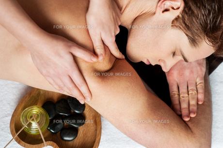 Massage make me more relax.の写真素材 [FYI00662295]