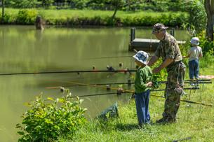 Fisherman fishingの写真素材 [FYI00662353]