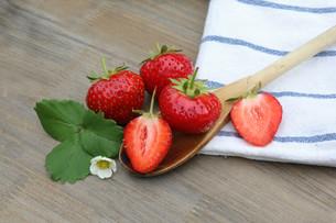 fresh strawberriesの写真素材 [FYI00662460]