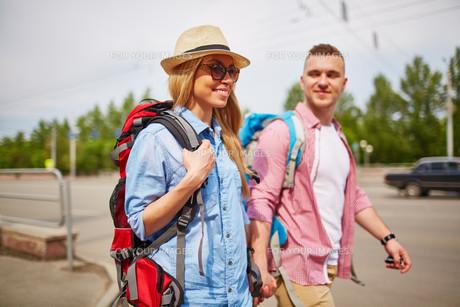 Pretty tourist with boyfriendの素材 [FYI00662485]