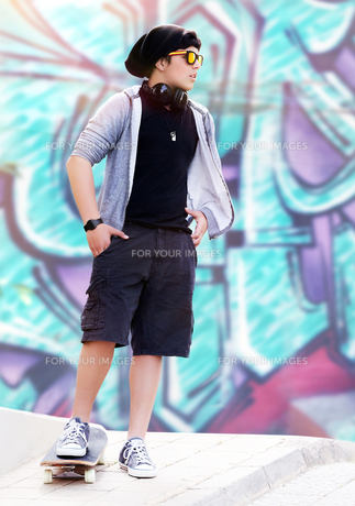 Stylish skater boyの写真素材 [FYI00662515]