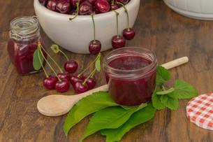 cherry jamの写真素材 [FYI00662661]
