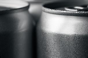 Wet aluminum sodaの写真素材 [FYI00662752]