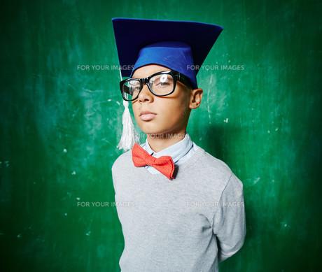 Serious schoolboyの素材 [FYI00662846]