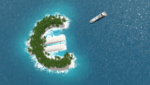 Tax haven, financial or wealth evasion on a euro island. A luxury boat is sailing to the island.の写真素材 [FYI00662865]